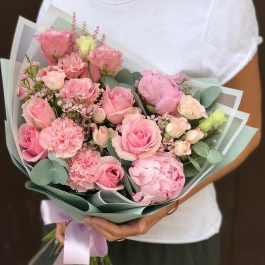 Авторский букет в розовых тонах