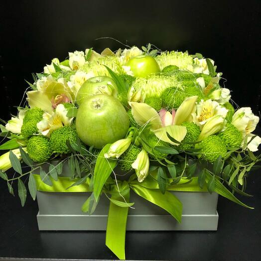 Цветы в коробке «Зелёное  яблочко»