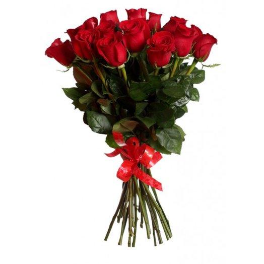 15 классических красных роз