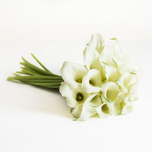 Букет цветов Белые каллы: букеты цветов на заказ Flowwow