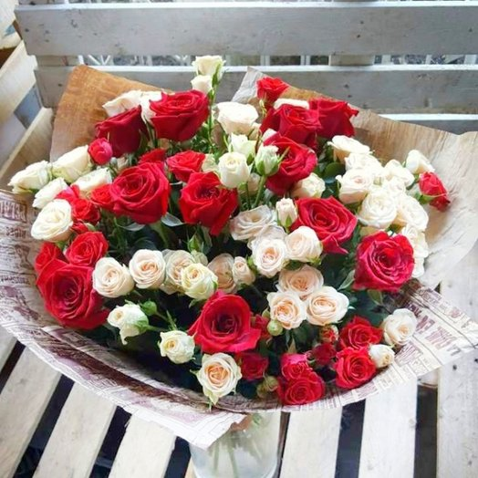 Букет микс из кустовых роз: букеты цветов на заказ Flowwow