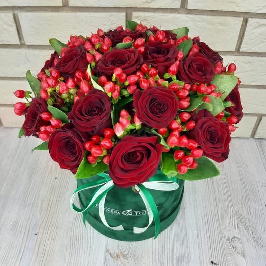 Розы в бархатной коробке: букеты цветов на заказ Flowwow