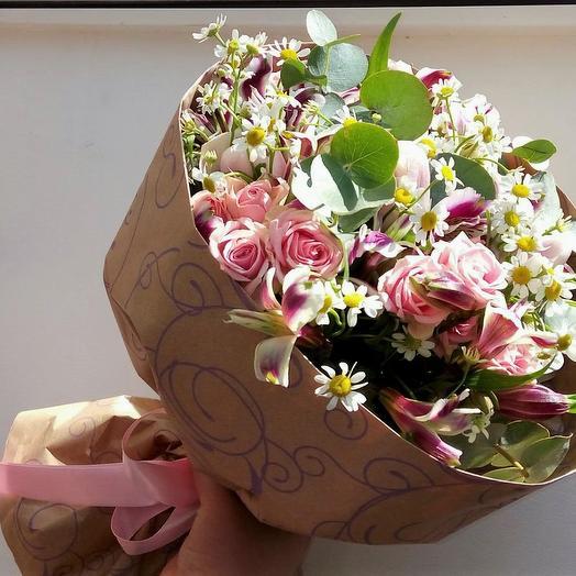 Пролетая над Парижем: букеты цветов на заказ Flowwow