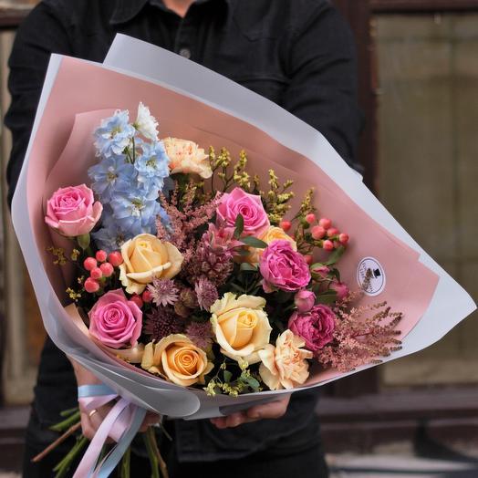 С Ананасиком 🍍 Букет: букеты цветов на заказ Flowwow
