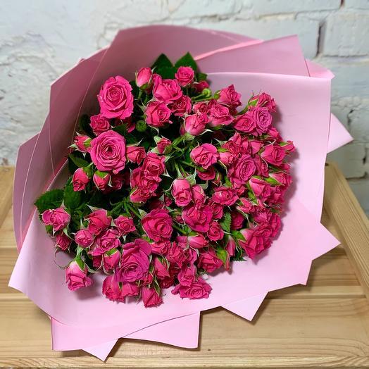 Букет из кустовых роз 19 шт