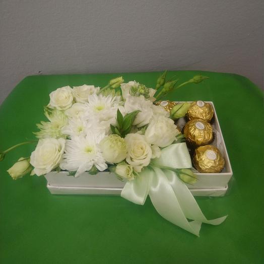 Сладкий десерт в коробке: букеты цветов на заказ Flowwow