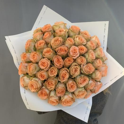 Моно букет из 51 пионовидной розы N39