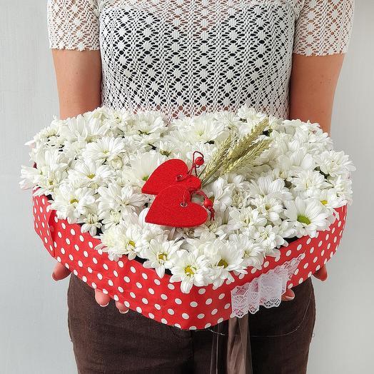 Композиция сердце Ромашковое поле: букеты цветов на заказ Flowwow