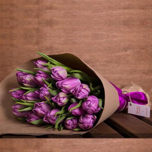19 пионовидных тюльпанов