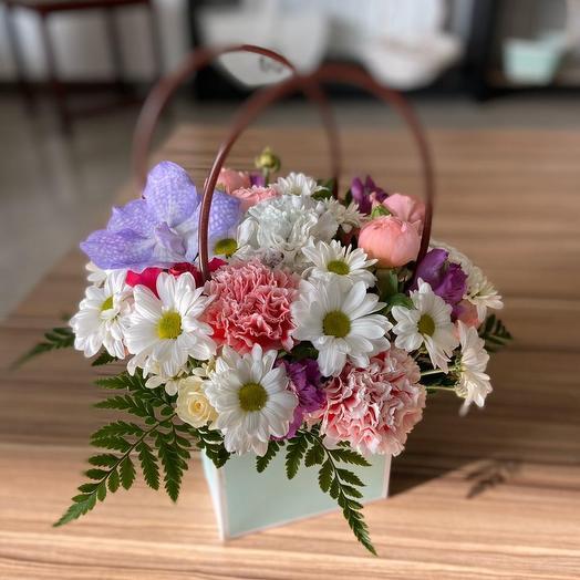 Маленькая кокетка: букеты цветов на заказ Flowwow