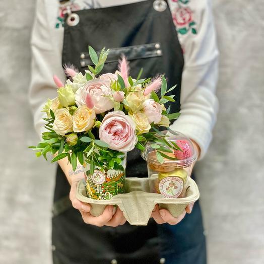 «Сладкая жизнь» композиция из ароматной французской розы и макарони