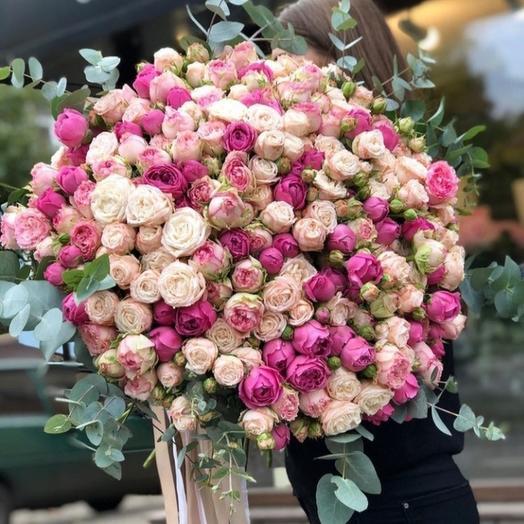 """Букет из кустовых пионовидных роз """"Miss"""""""