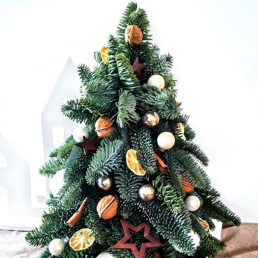 Новогодняя ёлочка  из нобилиса