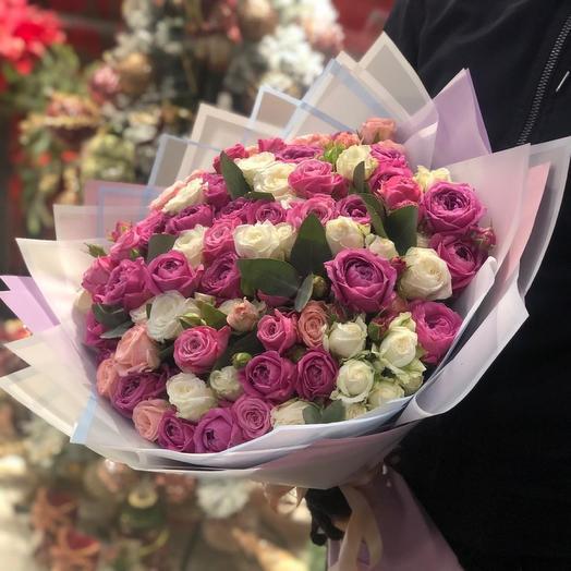 Букет из пионовидный кустовых  роз