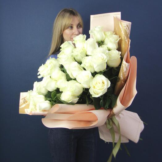 31 Белая роза в оформлении