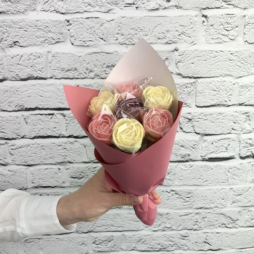 """Букет """"Бело-розовый"""" из шоколадных роз"""