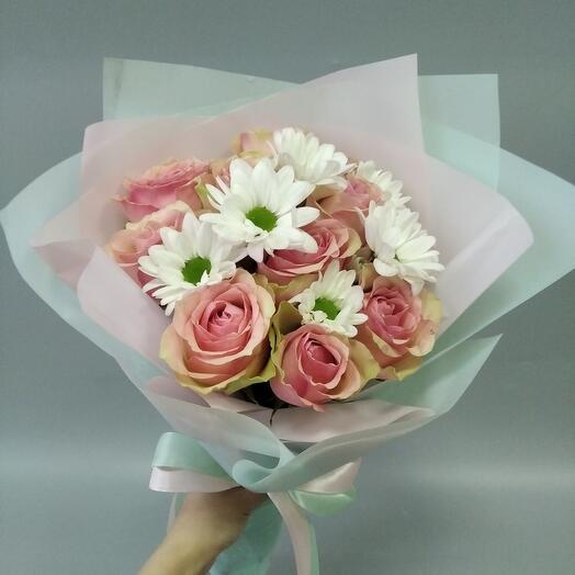 Микс роз и хризантем