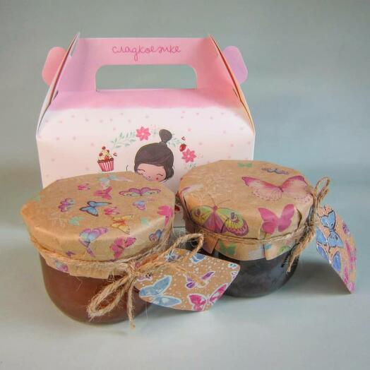Подарочный набор из варенья с крыжовником и яблочно-абрикосовым джемом