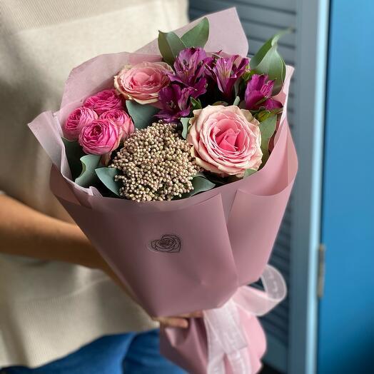 Ninel bouquet of peony-shaped rose, alstroemeria and ozotamnus