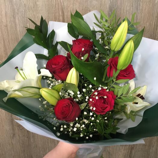 Лилия с розой