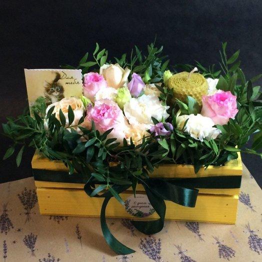 Деревянный ящик с нежной композицией и свечей ручной работы: букеты цветов на заказ Flowwow