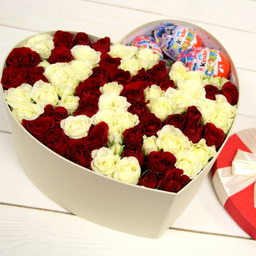 Большое сердце с розами: букеты цветов на заказ Flowwow