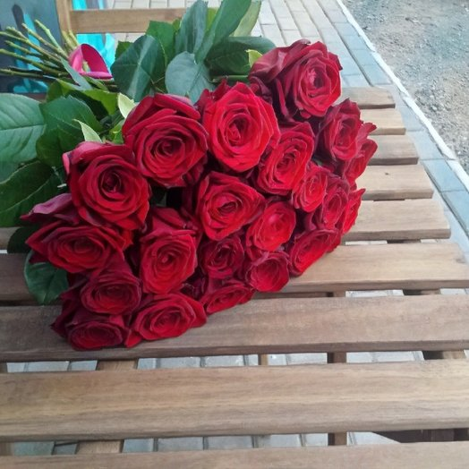 Букет из 21 красной розы: букеты цветов на заказ Flowwow