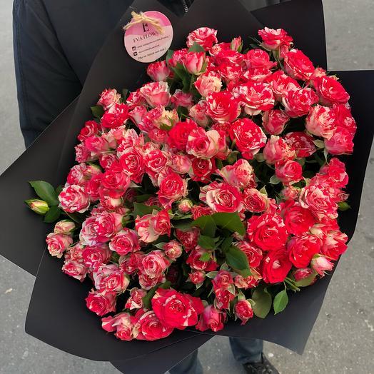 Сочные кустовые розы: букеты цветов на заказ Flowwow
