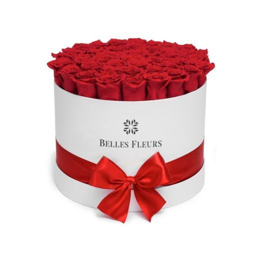 Букет вечных красных роз в шляпной коробке: букеты цветов на заказ Flowwow