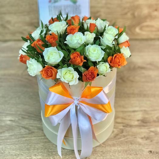 Коробки с цветами. Кустовые розы , 19 шт. N331: букеты цветов на заказ Flowwow