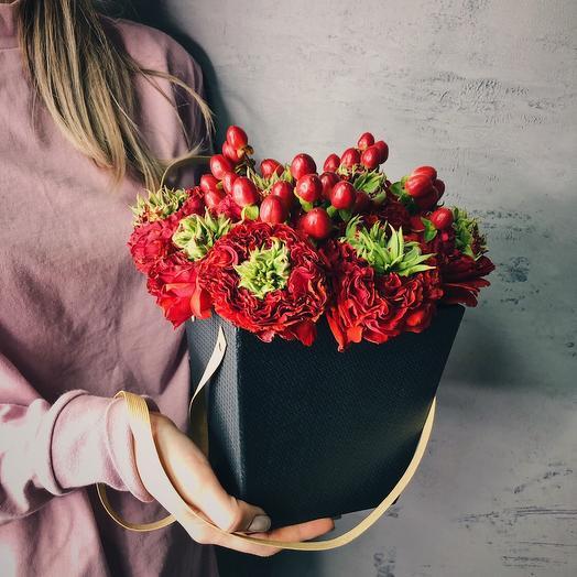 """Коробочка """" Страстный привет"""": букеты цветов на заказ Flowwow"""