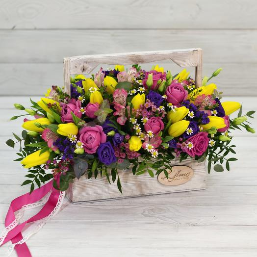 Деревянный ящик Майбах: букеты цветов на заказ Flowwow