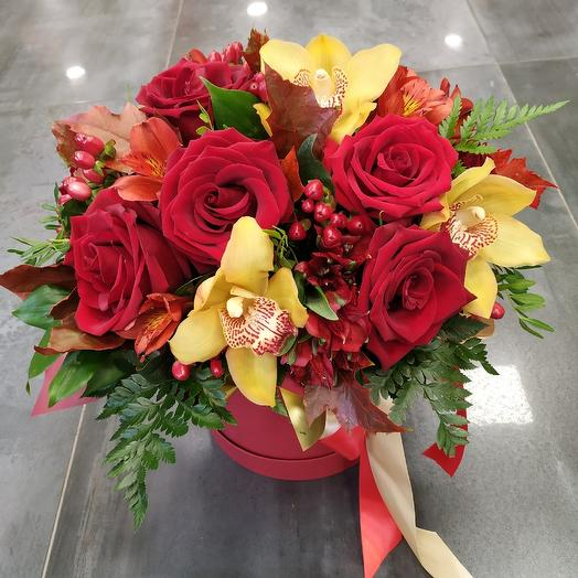 """Hatbox """"I Love you"""": flowers to order Flowwow"""