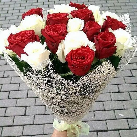Классика всегда в моде: букеты цветов на заказ Flowwow