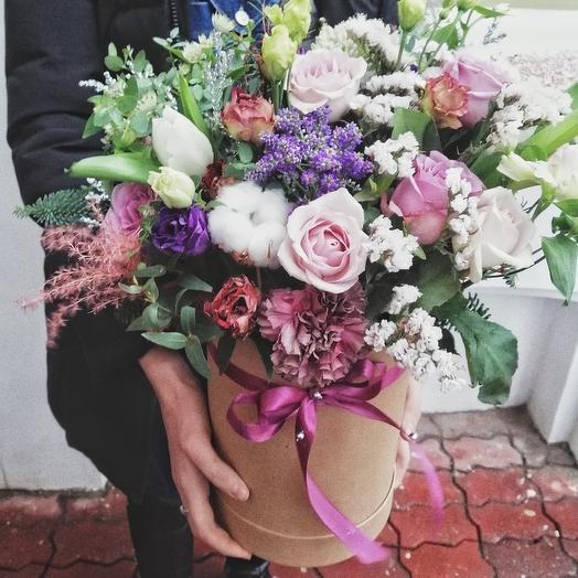 Большая крафтовая коробка с цветами
