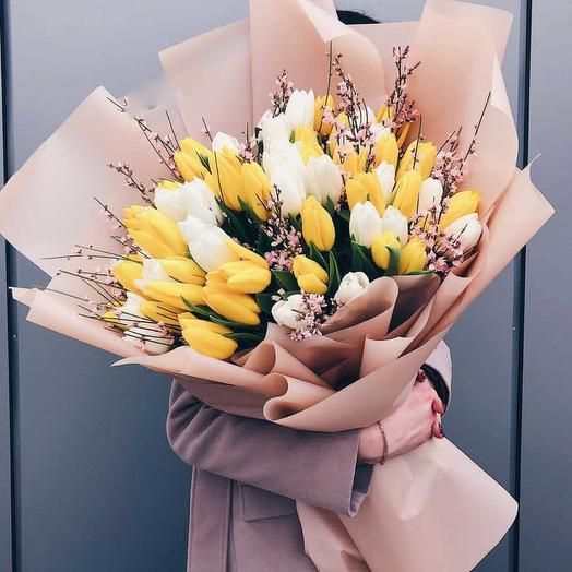 Тюльпановый день: букеты цветов на заказ Flowwow
