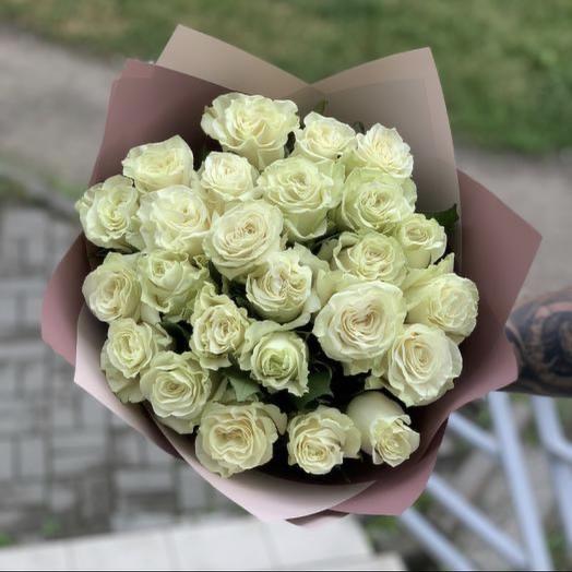25 Ecuador roses