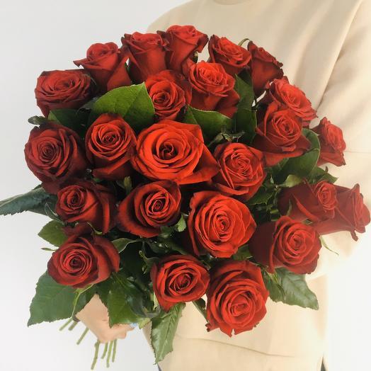 Очаровательные импортные красные розы