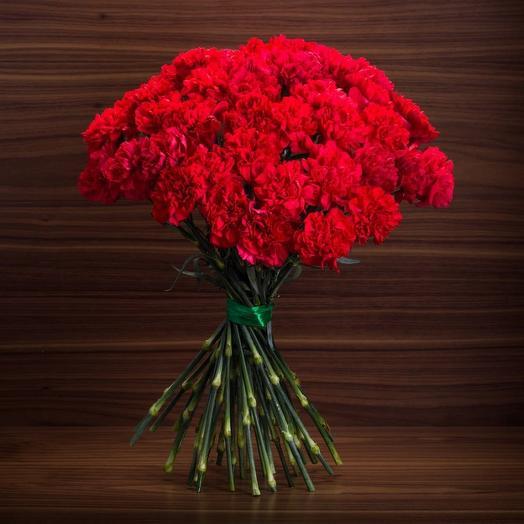 51 Гвоздики сорта  Бриллиант: букеты цветов на заказ Flowwow