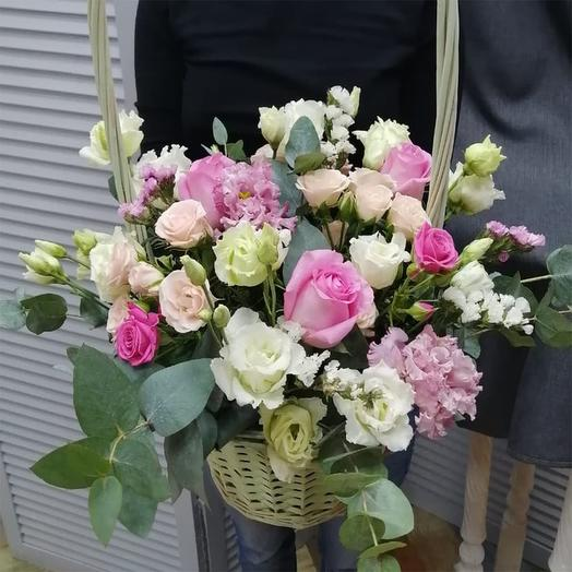 """Цветы в корзине """"Вам на радость !"""""""