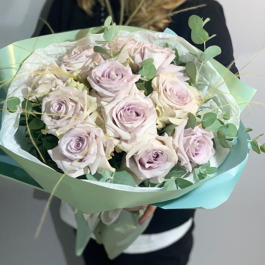 Пыльные розы в стильной упаковке
