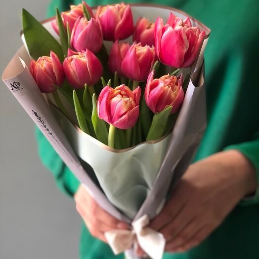 11 Тюльпанов в упаковке