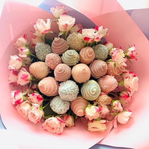 Клубника в нежном Шоколаде с розочками