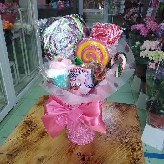 Стаканчик со сладостями