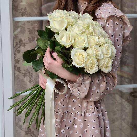 Pur Pur – Букет из 25 белых роз 50 см 🕊