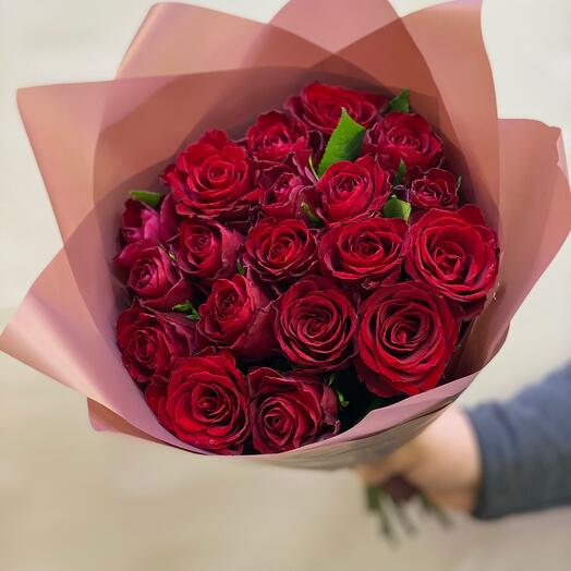 Bouquet of premium red roses