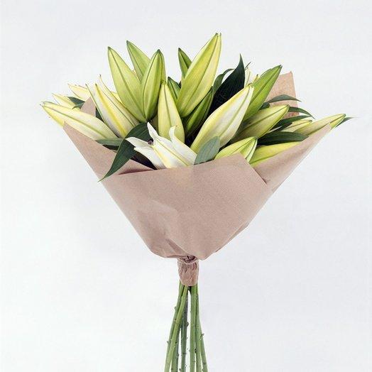 Белые лилии: букеты цветов на заказ Flowwow