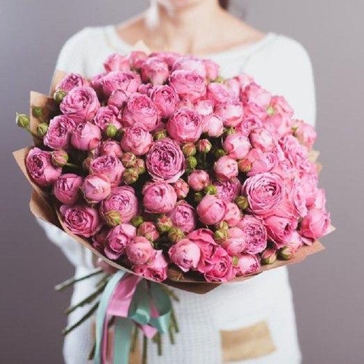 21 кустовая пионовидная роза в крафте