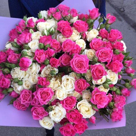 Букет с кустовыми розами: букеты цветов на заказ Flowwow
