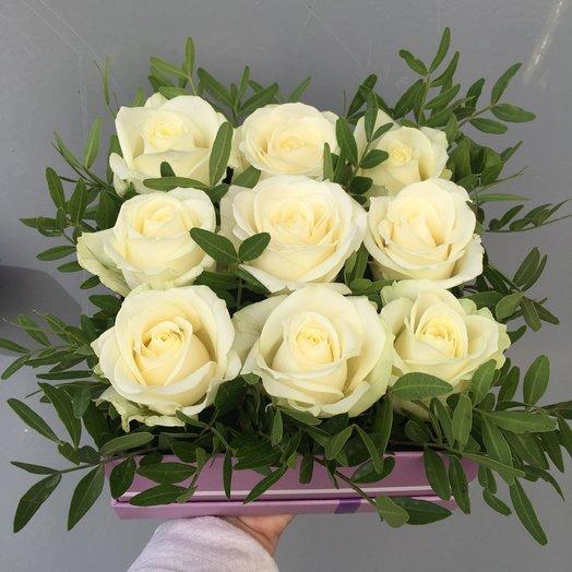 Минималистичная коробка с розами: букеты цветов на заказ Flowwow